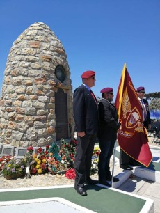 Hermanus_war-memorial1-poppy-day