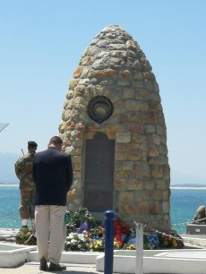Hermanus_war-memorial5-poppy-day